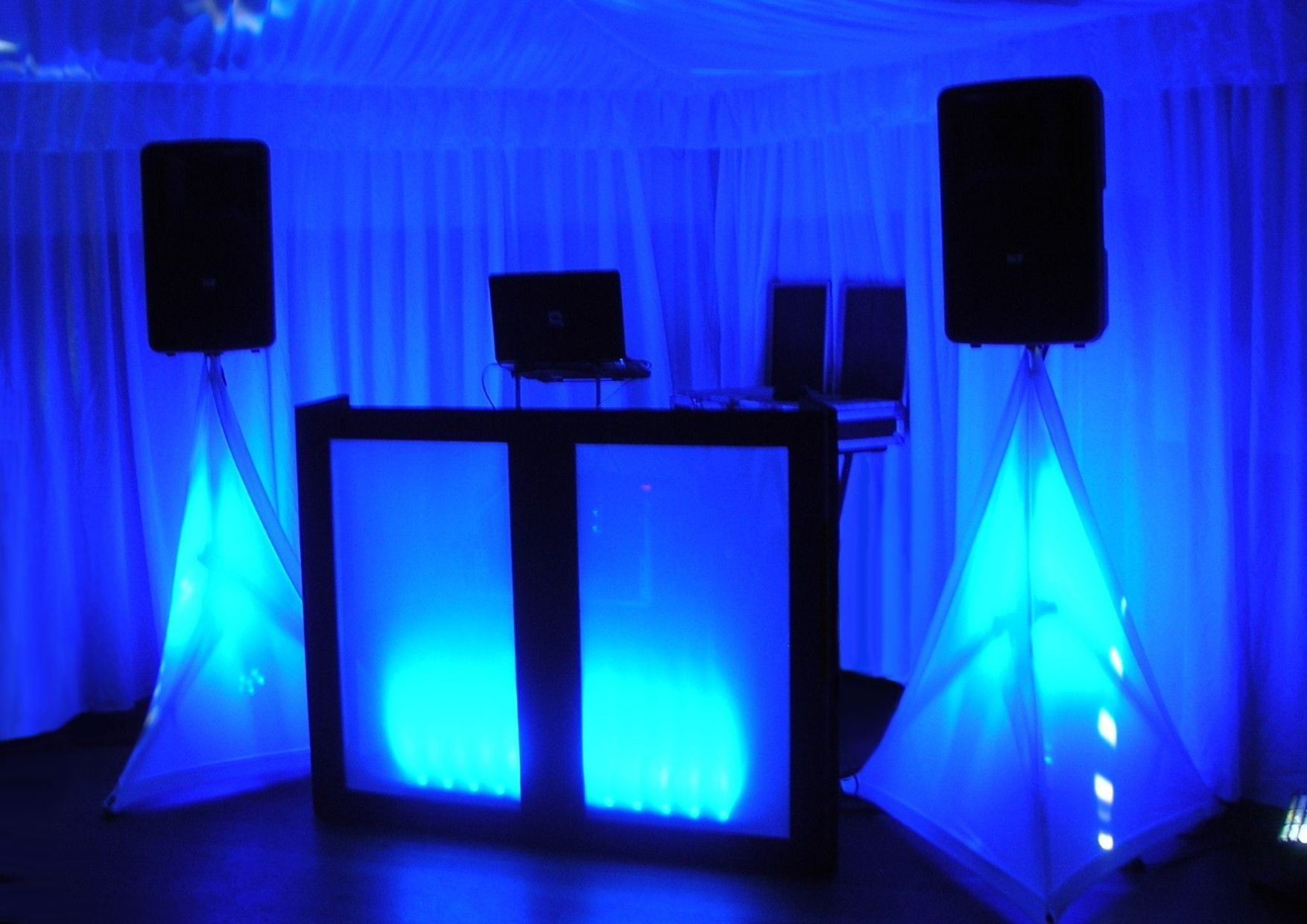 DJ for a Wedding Celebration, Birthday Party or Xmas Party